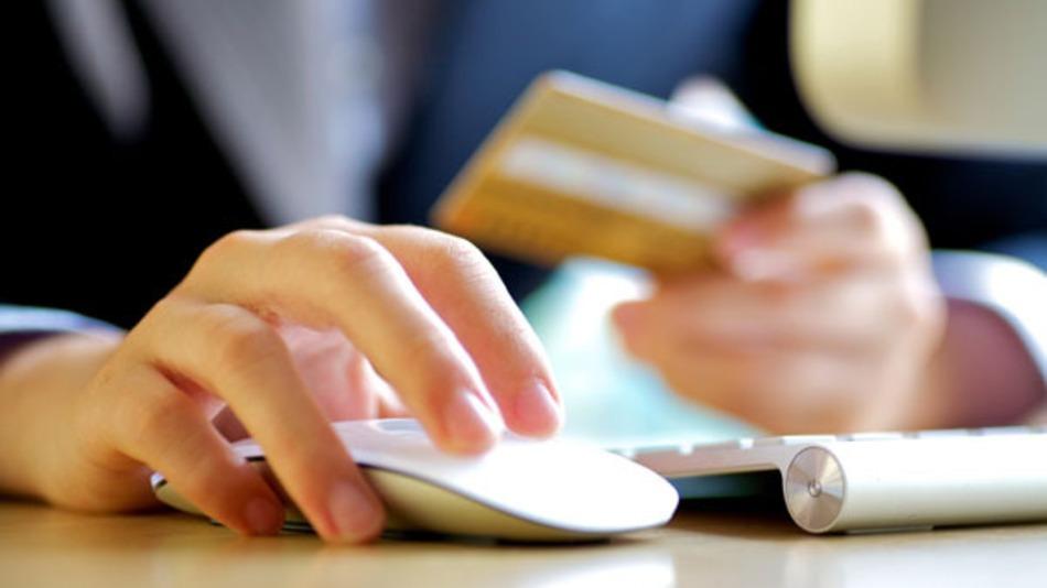 الشبكات الاجتماعية لم تشارك سوى بنسبة 1% في تسويق منتجات البلاك فرايداي 2013